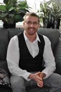 Johan Bergvall Lindström är ägaren och massör hos Bergvalls Massage i Umeå.